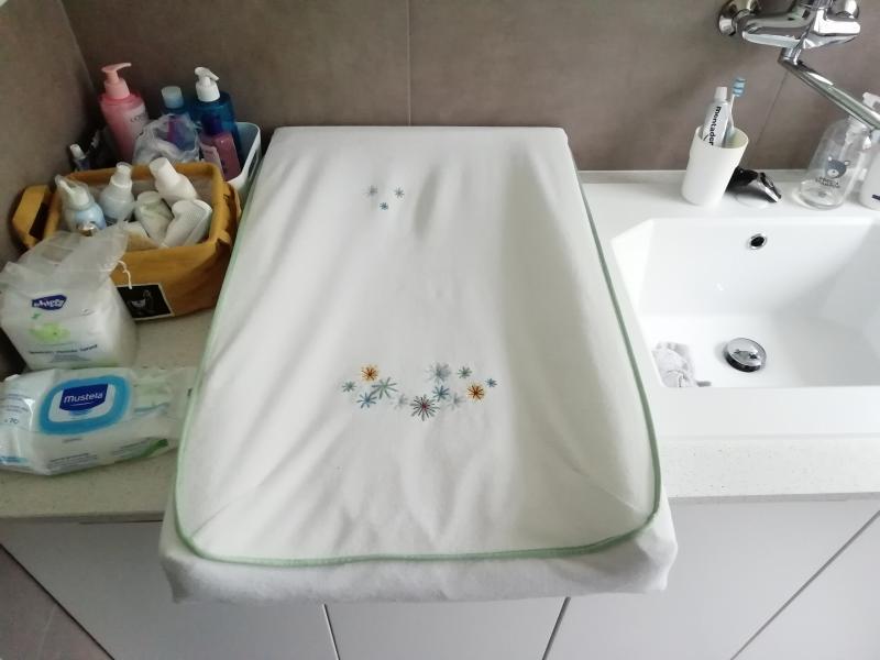 Materassino per fasciatoio v dra ikea recensioni for Asciugatrice sopra lavatrice kit ikea